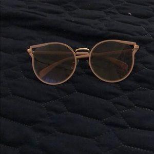 tahari shades